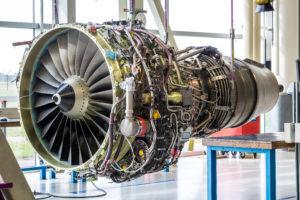 Aircraft engine hoisting